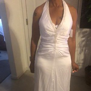 Nice wedding dress for beach wedding!!!!